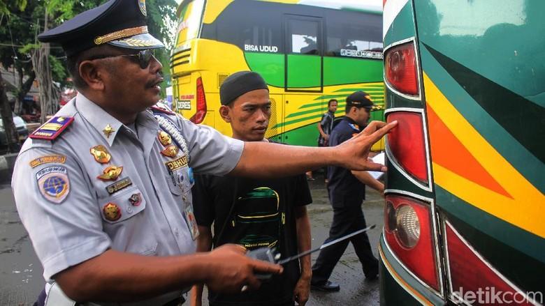 Dishub DKI Cek Kelaikan Kendaraan Pra Angkutan Lebaran