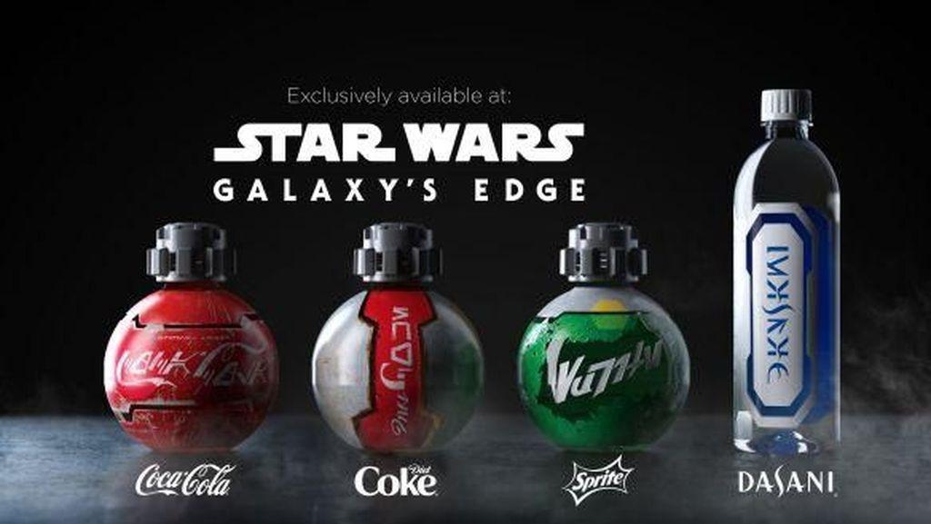 Berkolaborasi dengan Disney, Coca-cola Luncurkan Botol Bertema Galaxys Edge Park
