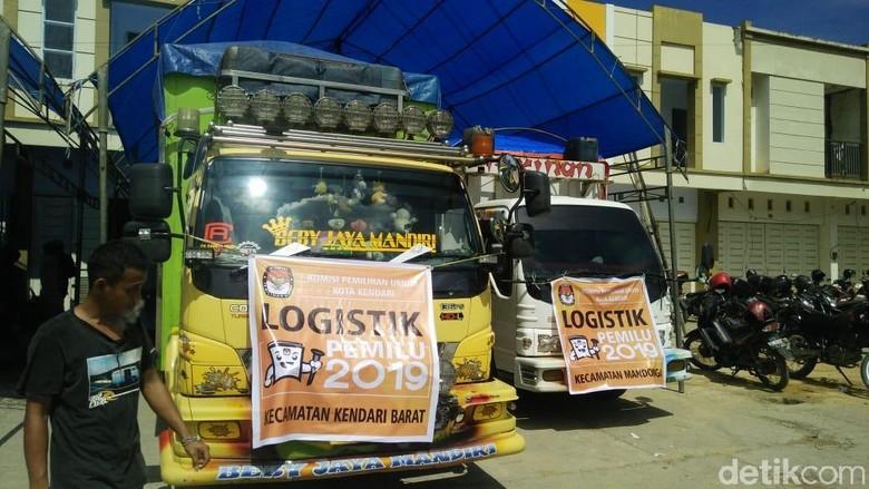 Pendistribusian Logistik Pemilu, KPU Kendari Libatkan Pawang Hujan