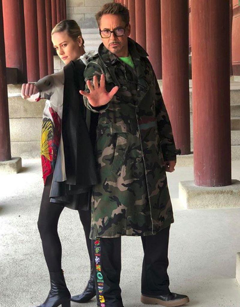 Di kesempatan kunjungannya ke Korea Selatan, pemeran Iron Man, Robert Downey Jr dan Brie Larson (pemeran Captain Marvel) berkunjung ke destinasi budaya di sana (robertdowneyjr/Instagram)
