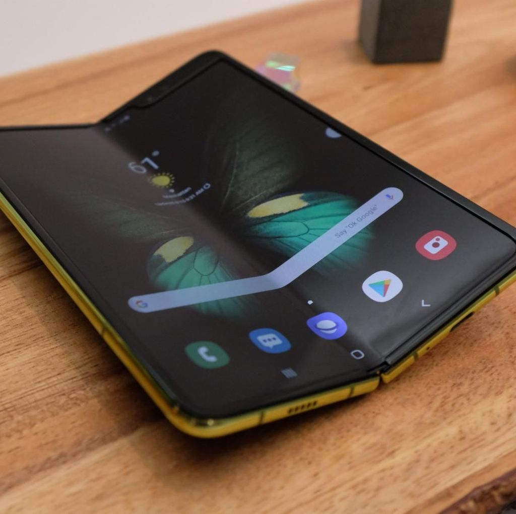 Influencer Galaxy Fold Kini Promosikan Galaxy S10