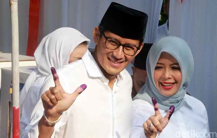 Sandiaga Uno dan istri. (Ari Saputra/detikcom)