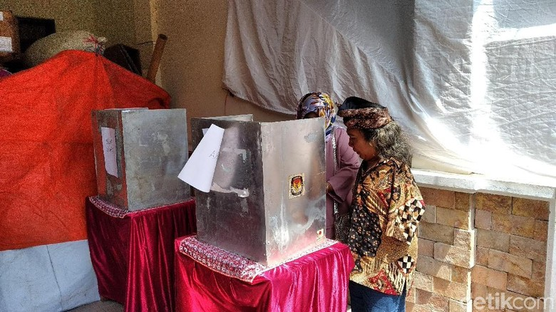 Potret Pelukis Tunadaksa di Malang Semangat Nyoblos