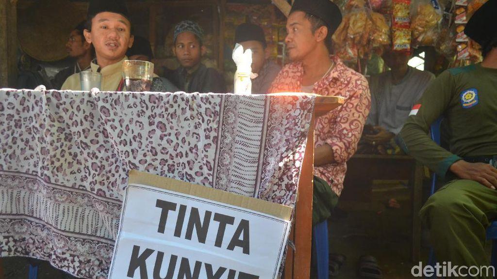 TPS Benda Kerep Cirebon Ganti Tinta Pemilu dengan Kunyit