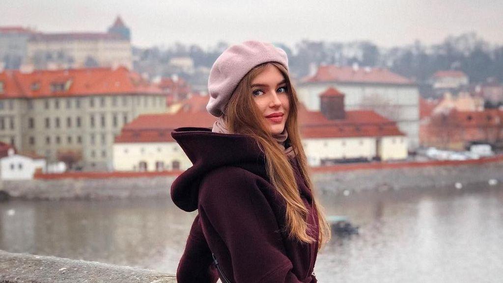 Foto: Tersihir Pesona Liburan Alina Sanko, Miss Rusia 2019