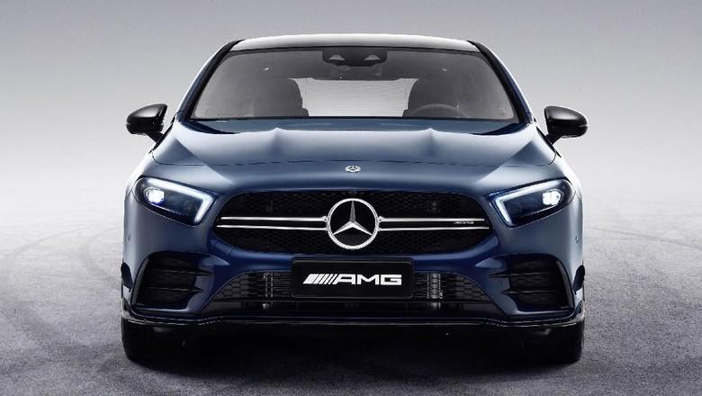 Mercedes-AMG A 35 L 4MATIC (2019) Foto: Pool (Autoevolution)