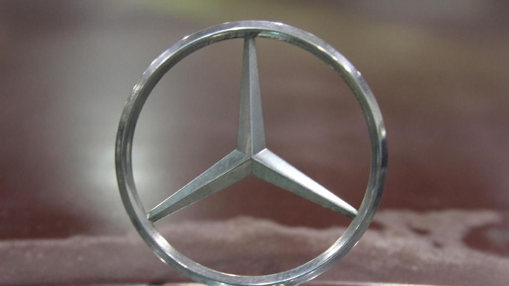 Lawan Corona, Mercedes-Benz Bangun Rumah Sakit dengan 1.500 Tempat Tidur