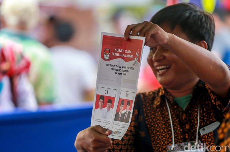 Situng KPU 84%: Jokowi-Maruf 56,20%, Prabowo-Sandiaga 43,80%