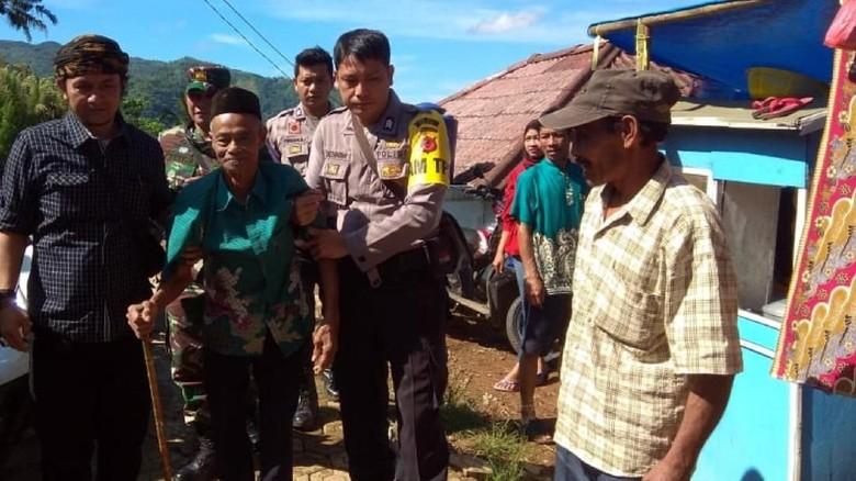Warga Cimapag Sukabumi Nyoblos di Lokasi Bekas Posko Bencana