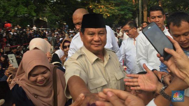 Saat Kubu Prabowo Ragukan Keunggulan Jokowi di Quick Count
