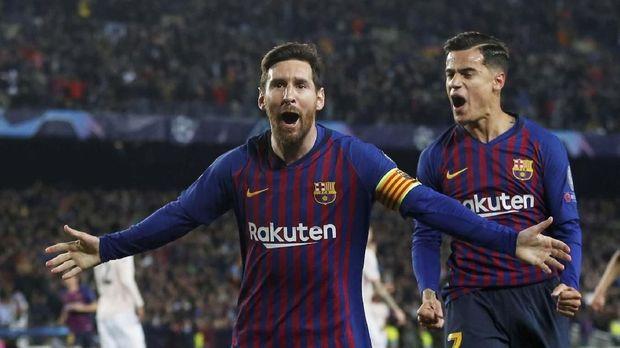 Lionel Messi menyumbang dua gol ke gawang Manchester United.