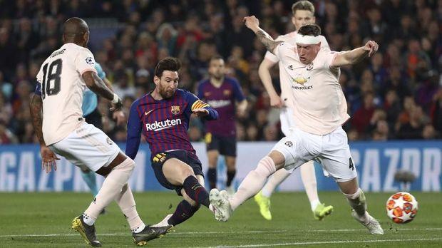 Lionel Messi cetak dua gol ke gawang Man United di leg kedua Liga Champions.