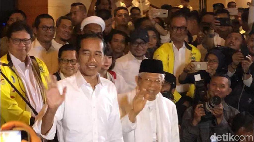 Fitch Bicara PR Jokowi Usai Menang Quick Count