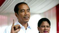 Ditemani Iriana, Ini Momen Jokowi Nyoblos di TPS 008 Gambir