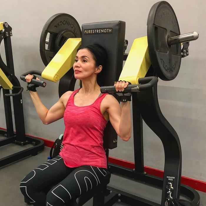Psikolog anak dan remaja Novita Tandry telah menggemari dunia fitness sejak duduk di bangku SMA. (Foto: Instagram/novitatandry, ditampilkan dengan izin yang bersangkutan)
