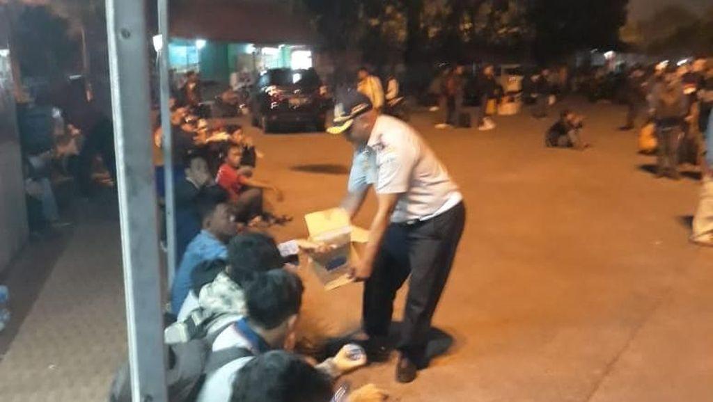 Penumpang di Terminal Kampung Rambutan Naik Drastis Jelang Coblosan
