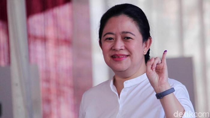 Ketua Umum PDIP Megawati Soekarnoputri menggunakan hak pilihnya di TPS 62 di RT 010 RW 004 Kebagusan, Jakarta Selatan, Rabu (17/4/2019). Megawati ditemani anak-anaknya, Puan Maharani dan Prabowo.