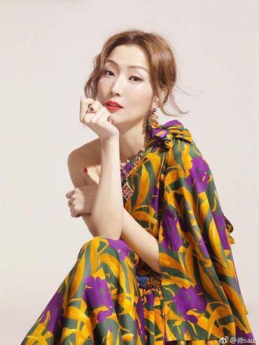 Penyanyi dan aktris Sammi Cheng, istri Andy Hui.
