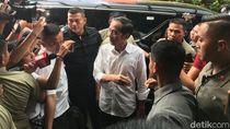 Pantau Quick Count, Jokowi hingga JK Tiba di Djakarta Theater