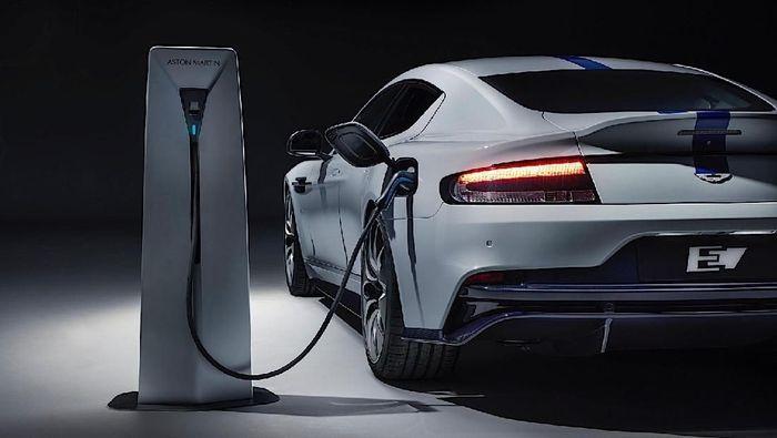 Ilustrasi mobil listrik/Foto: Pool (carscoops)