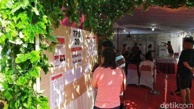 TPS di Kota Semarang seperti panggung pesta pernikahan