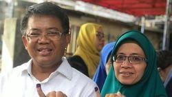 Nyoblos Bareng Istri, Presiden PKS Imbau Sengketa Pemilu Diselesaikan Lewat MK