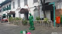 Manusia Tentara di Kota Tua Jakarta, Nyoblos Dulu Baru Kerja