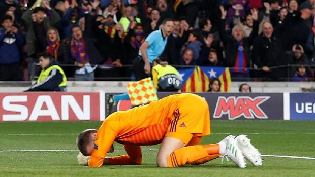 David de Gea menyesali blunder yang dilakukannya di markas Barcelona.