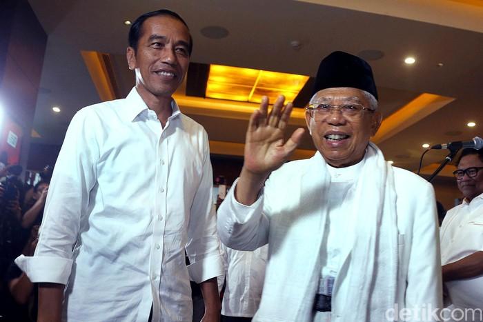 Capres Joko Widodo (Jokowi) meminta para pendukungnya tetap menunggu penghitungan resmi KPU atas hasil perolehan suara Pilpres 2019.