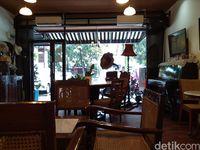 Imah Nini : Seruput Kopi Kenalan Sambil Santai di Kafe Jadoel di Bogor