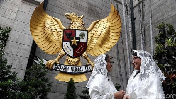 Berdiri berdampingan dengan Masjid Istiqlal, traveler juga bisa menemukan sejumlah hal terkait toleransi di dalam Gereja Katedral. Misalnya saja simbol burung Garuda berukuran besar yang ada di dalamnya (Pradita Utama/detikcom)