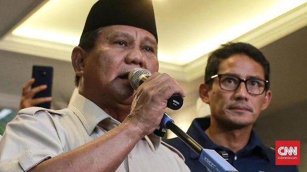 Prabowo Subianto dan Sandiaga Uno saat mendeklarasikan kemenangan Pilpres 2019.