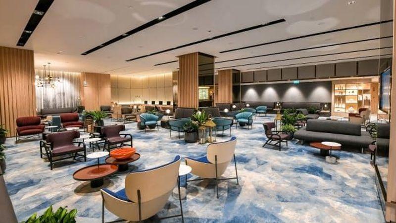Jewel terdiri dari 5 lantai di atas tanah dan 5 lantai di area basement, dengan total luas area 135,700 meter persegi. Wow! (Changi Airport Singapore)