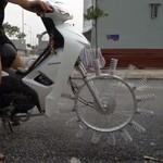 Konyol, Motor Ini Pakai Roda dari Per