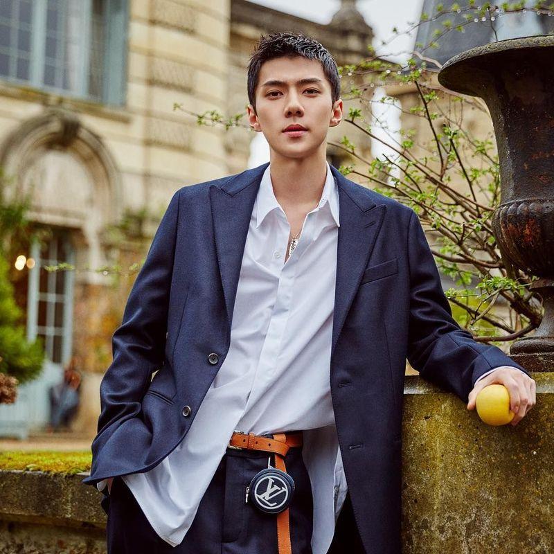 Selain bergabung dengan boyband Kpop Exo, Sehun juga sibuk dengan syuting dan pemotretan. Biar begitu, Sehun tetap menyempatkan diri untuk lliburan. (oohsehun/Instagram)
