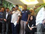 Video Sandiaga Akhirnya Muncul, Dampingi Prabowo Orasi