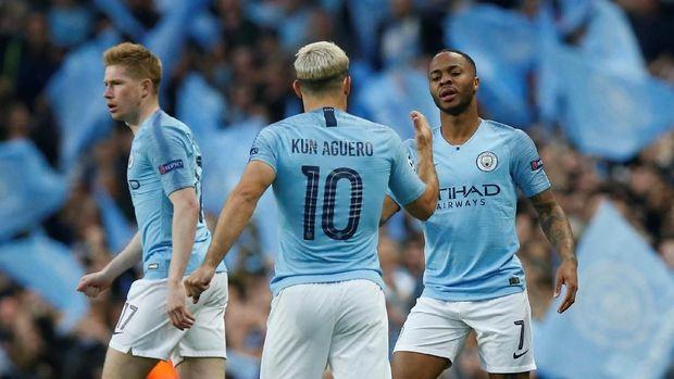 Manchester City unggul 3-2 di babak pertama.