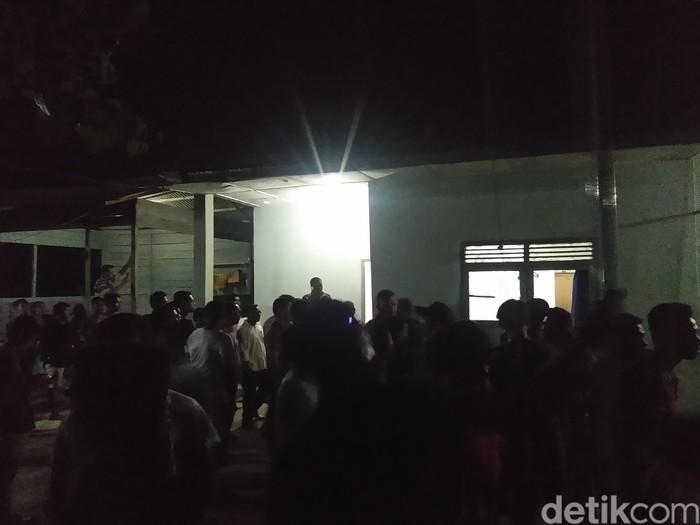 Rusuh di Pos TNI AL Pusong Lhokseumawe. (Datuk Haris Molana/detikcom)