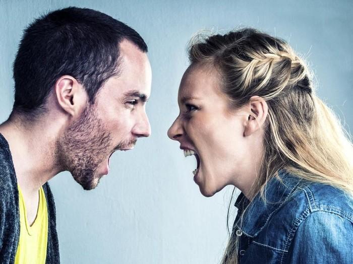 Ilustrasi pasangan bertengkar. Foto: Dok. istock