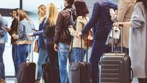 Bertingkah Aneh di Pesawat, Bisa Masuk Akun Instagram Ini