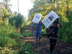 Begini Perjuangan TNI-Polri Kawal Logistik Pemilu di Medan Berat