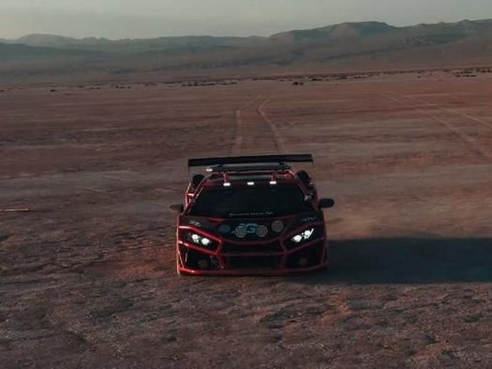 Gila! Lamborghini Huracan Ini Dibalut Besi Terali Warna Pink