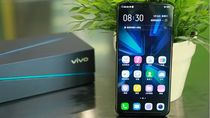 Penampakan Monster  Vivo IQOO Samurai Black