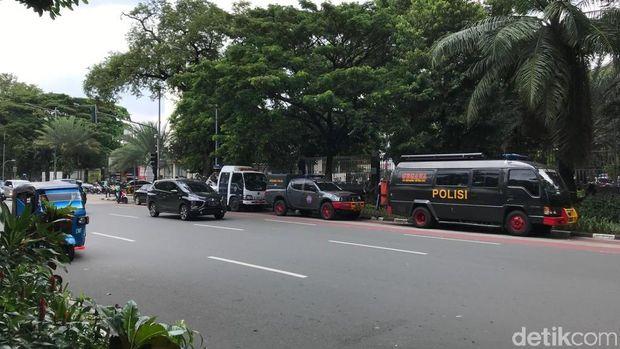 Pengamanan Misa Jumat Agung di Katedral Jakarta