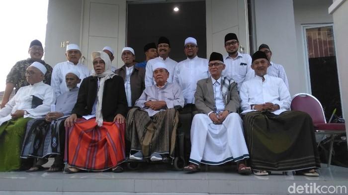 Para kiai bertemu di kediaman Gus Ipul (Foto: Deny Prastyo Utomo)