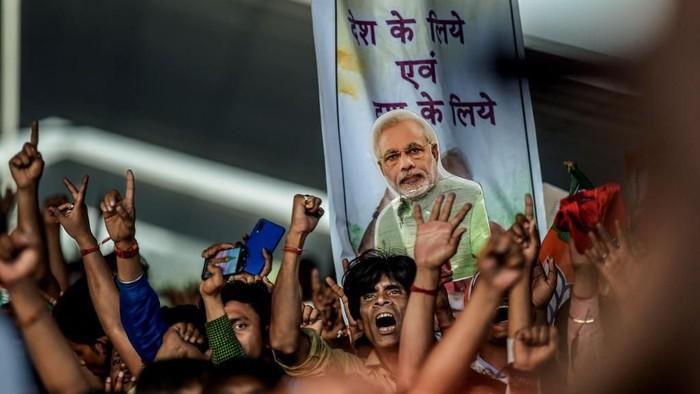 Para pendukung Perdana Menteri India Narendra Modi di Kolkata