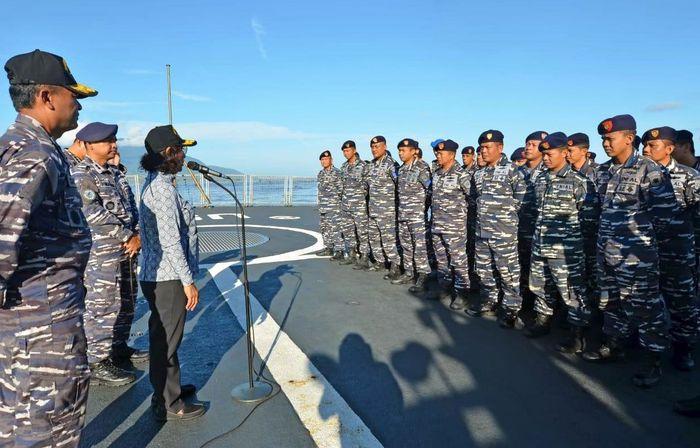 KRI Usman Harun berhasil menghentikan 7 kapal perikanan asing berbendera Tiongkok. Dok. Kementerian Kelautan dan Perikanan