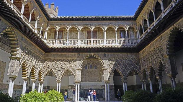 Bertamu ke Lokasi Syuting 'Game of Thrones' di Spanyol [EBG]