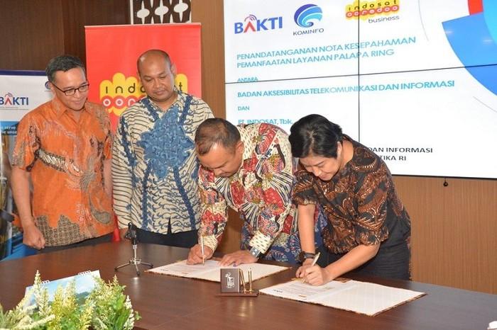 Indosat sebar internet pakai infrastruktur langit. Foto: Indosat