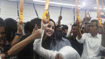 Para Artis Ibu Kota Ikutan Jokowi Naik MRT